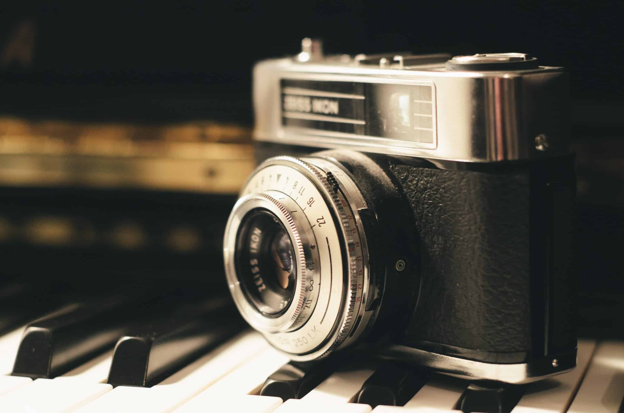 Here are some vintage photography tips to give your photos that old-time look.