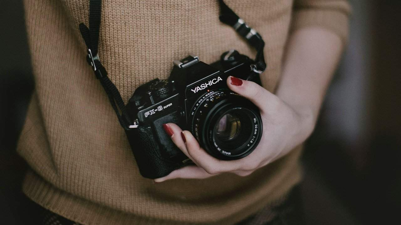 Steps To Clean Your DSLR Camera And Lens